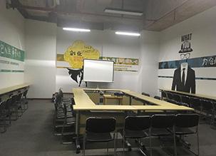 渝中区:独立办公室,一年起租