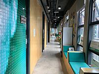 重庆渝中区创业园,托管工位2000元/年,已装修带办公家具(拎包入驻)可挂靠,有独立办公室