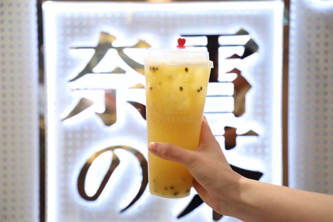 创业|34岁,她靠500家茶饮店撑起一个IPO